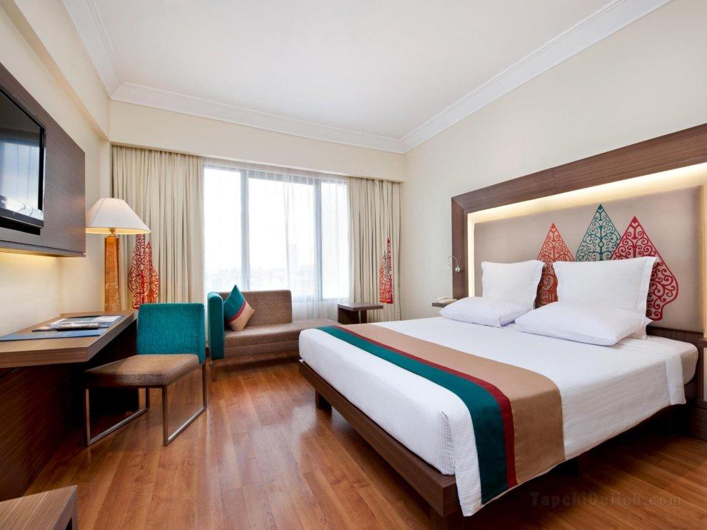 Khách sạn Novotel Solo