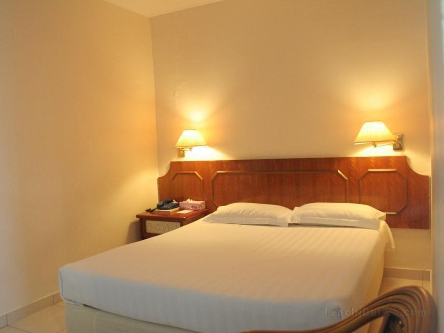 Khách sạn Pacific Orient