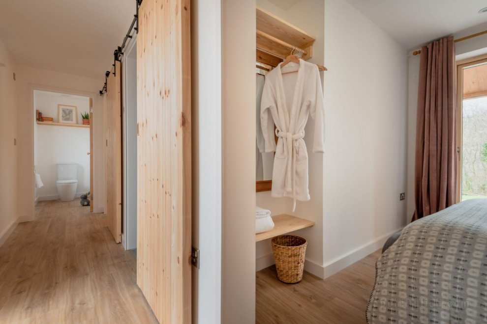 Sunnybrook - Carbon Neutral with Wood Fired Spa